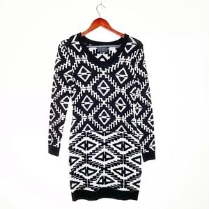 Romeo & Juliet Couture Triangle Sweater Dress